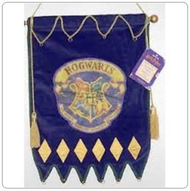 2000 Hogwarts Banner Ornament