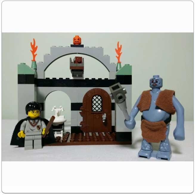 Lego Set 4712 - Troll on the Loose