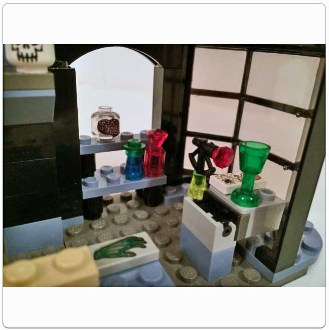 LEGO® Set 4720 – Knockturn Alley