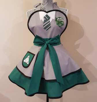 Apron inspired by Slytherin house
